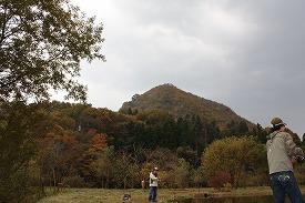 山も色づいてきました